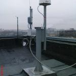 Базовая ГНСС станция на крыше здания